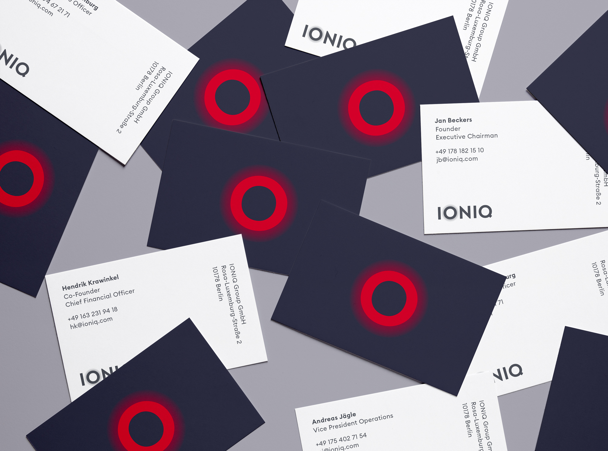 190515_ioniq_BusinessCards_mockup_2
